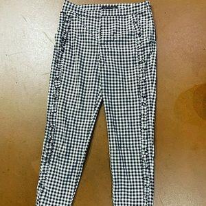 Women's checkered capris